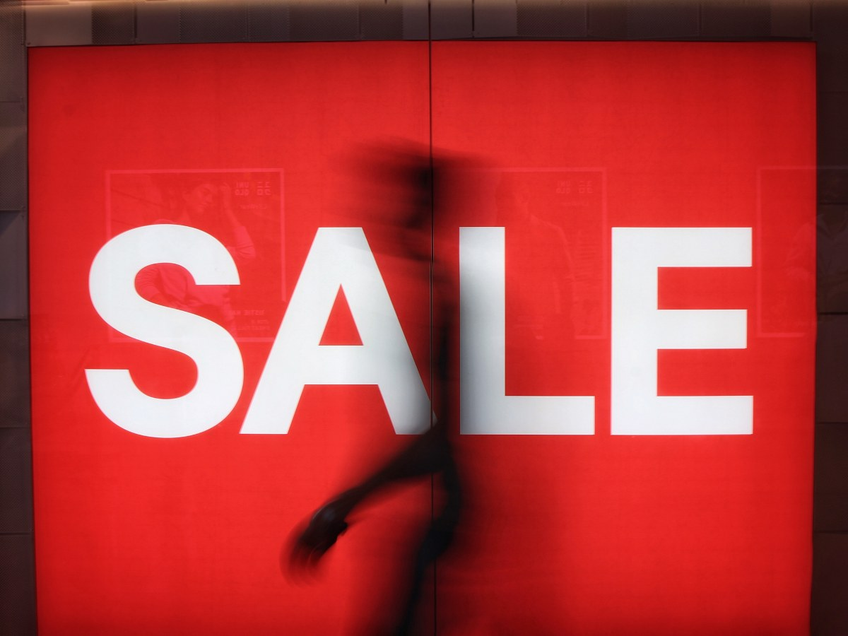 colours affect consumer buying behaviour sale red